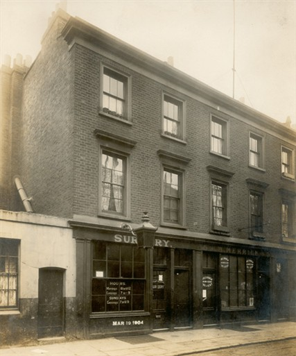 Photo:View of the front facade of 3 and 5 Penfold Street, formerly 43 and 45 Carlisle Street 1904